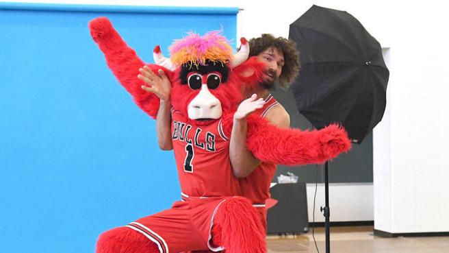 Robin Lopez messing around with Benny the Bull