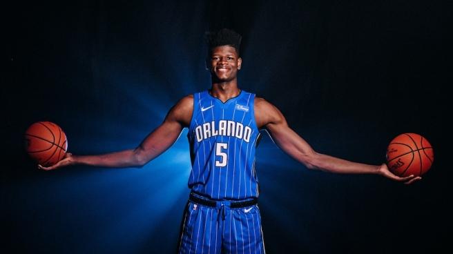 Mo Bamba of the Orlando Magic shows off his 7'10 wingspan.